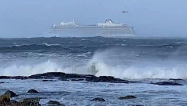 Пассажиры круизного лайнера Viking Sky сняли видео судна, терпящего бедствие - Sputnik Грузия