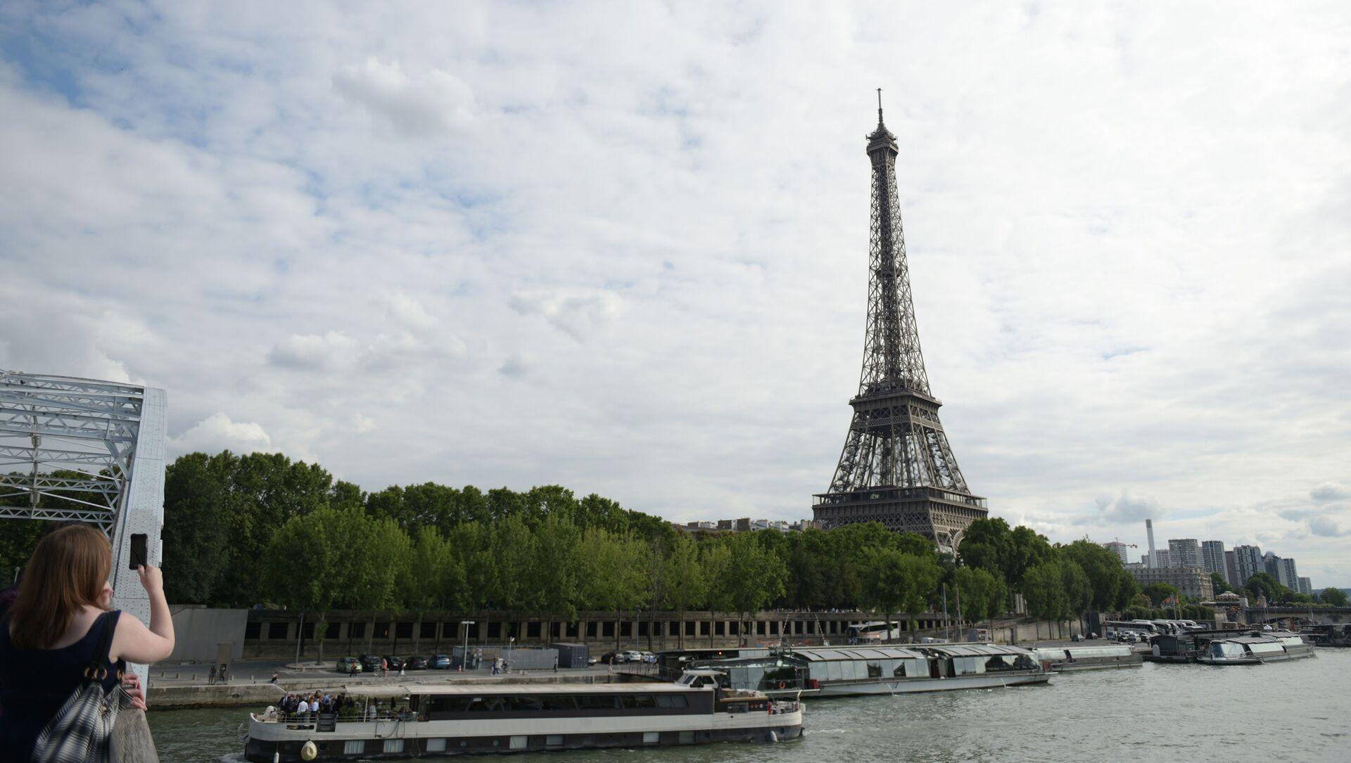 Эйфелева башня в Париже - Sputnik Грузия, 1920, 21.02.2021
