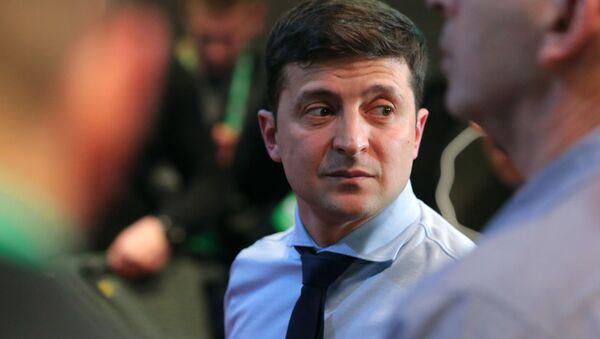 Кандидат в президенты Украины, актер Владимир Зеленский в своем избирательном штабе в Киеве - Sputnik Грузия