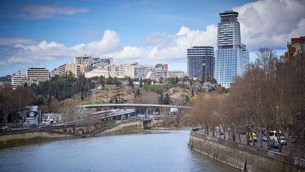 Тбилиси - вид на город днем - Sputnik Грузия