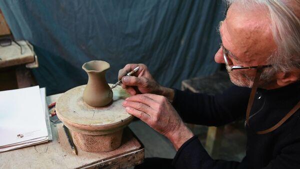 Как создаются изделия из глины - секреты грузинского мастера - Sputnik Грузия