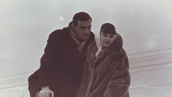 Кахи Кавсадзе и его супруга Белла Мирианашвили - Sputnik Грузия