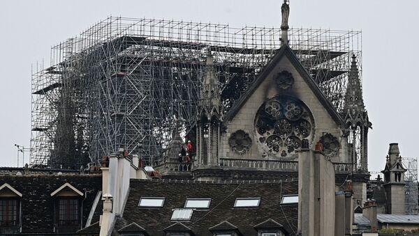 Крупный пожар в Нотр-Дам - что осталось от главного собора Франции - Sputnik Грузия