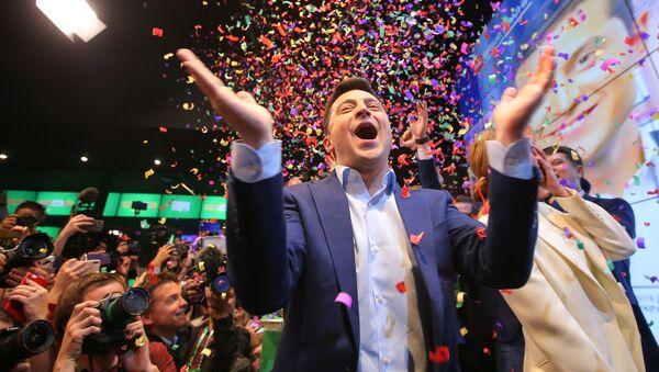 Владимир Зеленский после оглашения итогов голосования - Sputnik Грузия