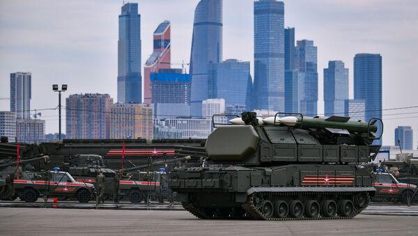 Военная техника, которую доставили в Москву с полигона Алабино для участия в параде Победы на Красной площади 9 мая - Sputnik Грузия