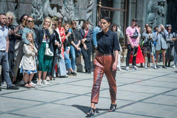 Mercedes-Benz Fashion Week — это серия международных недель моды, организованная компанией Mercedes-Benz - Sputnik Грузия