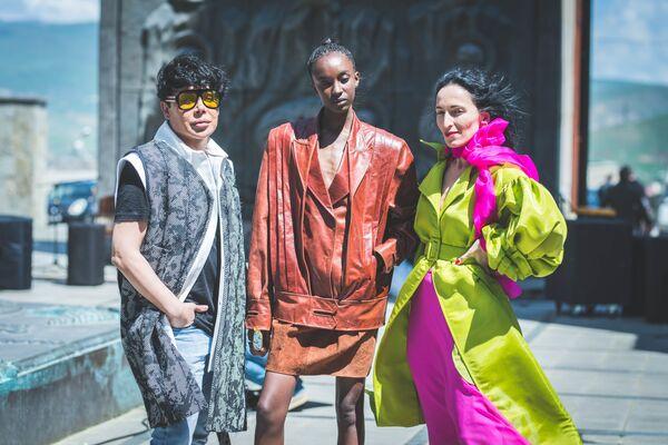 Модные показы ежегодно проводятся в разных странах мира, среди них Россия, Германия, США, Турция, Австралия - Sputnik Грузия
