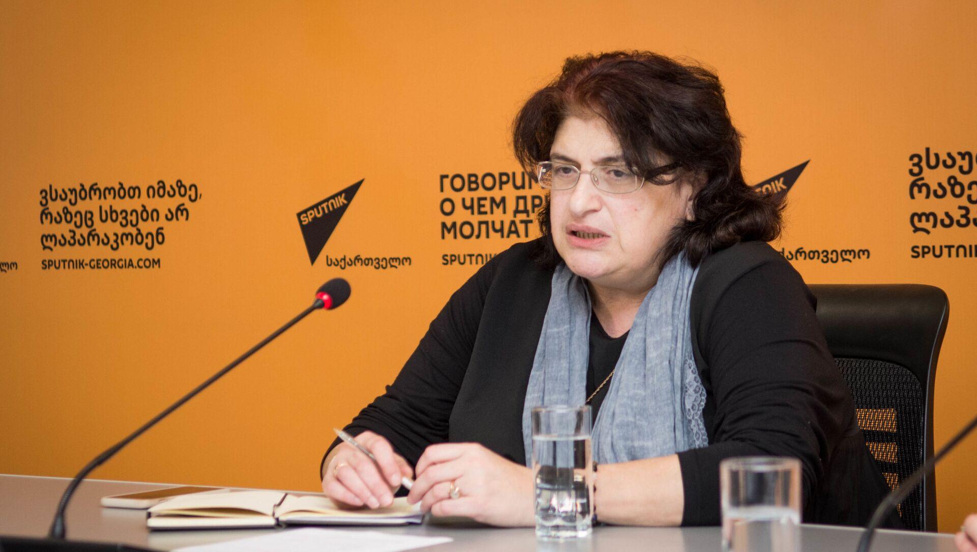 Нино Чхобадзе - бывший министр охраны окружающей среды, председатель организации Зеленые Грузии - друзья Земли - Sputnik Грузия, 1920, 16.02.2021