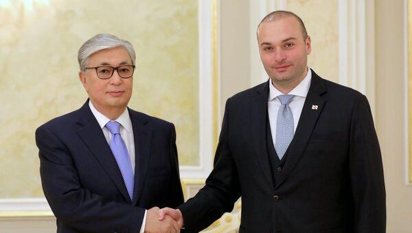 Президент Казахстана Касым-Жомарт Токаев и премьер Грузии Мамука Бахтадзе - Sputnik Грузия