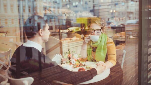 ქალი და მამაკაცი კაფეში - Sputnik საქართველო