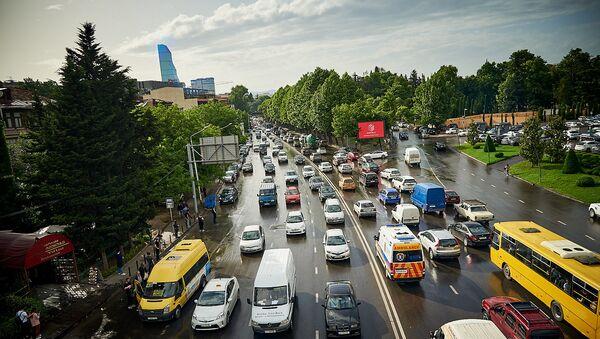 Автомобили на набережной в час пик. Пробка - Sputnik Грузия