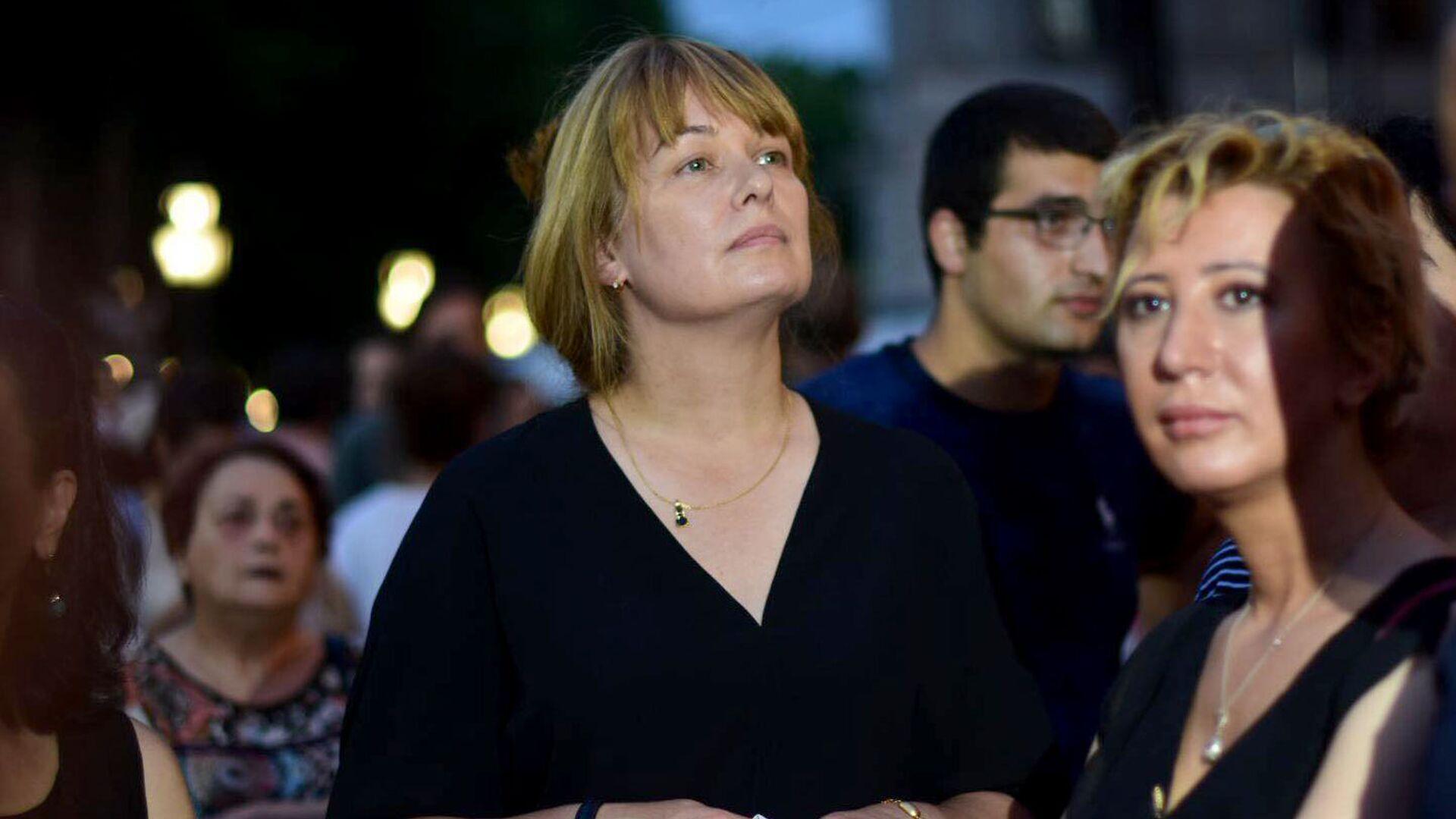 Супруга Михаила Саакашвили - Сандра Руловс. Акция протеста в центре грузинской столицы - Sputnik Грузия, 1920, 06.10.2021