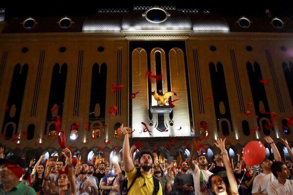 В субботу протестующие намерены устроить шествие по центру грузинской столицы - от площади Первой Республики до площади Свободы - Sputnik Грузия