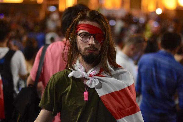 Протестующие заявляют, что не прекратят своих выступлений, пока глава МВД Грузии Георгий Гахария не уйдет в отставку - Sputnik Грузия
