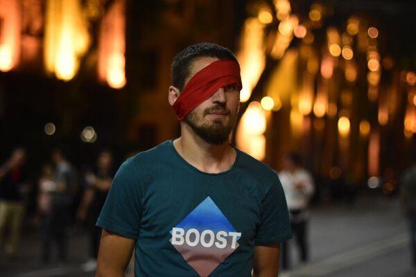 Свою позицию собравшиеся наверняка смогут выразить на выборах в 2020 году - которые, по решению властей, должны будут пройти без процентного барьера по пропорциональной системе. Однако для этого еще предстоит внести поправки в Конституцию - Sputnik Грузия