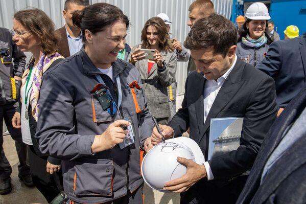 პრეზიდენტმა ვლადიმირ ზელენსკიმ ჩერნობილის ატომური სადგურის ირგვლივ არსებულ ტერიტორიას ღია ზონის სტატუსი მიანიჭა - Sputnik საქართველო