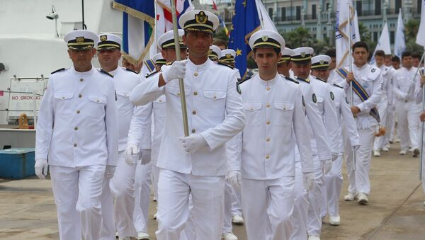 Шествие курсантов Батумской государственной морской академии - Sputnik Грузия