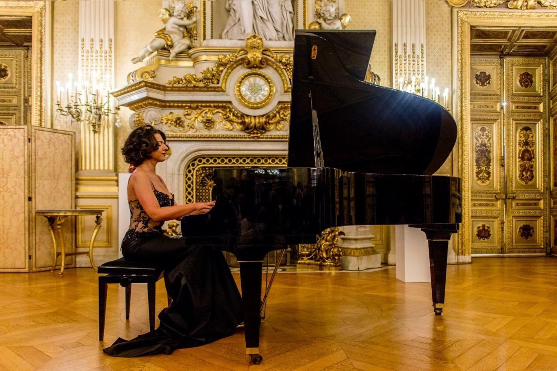 Грузинская пианистка Хатия Буниатишвили   - Sputnik Грузия, 1920, 14.10.2021
