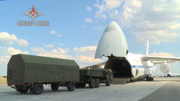 Триумф для Турции - видео отправки зенитно-ракетных комплексов - Sputnik Грузия