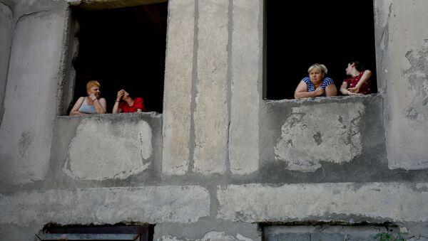 Здания в районе Вашлиджвари, которые захватили вынужденные переселенцы  - Sputnik Грузия