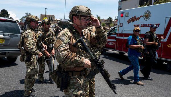Штурмовое подразделение полиции на месте стрельбы в Техасе - Sputnik Грузия