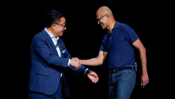 კომპანიამSamsung ახალი ფლაგმანური სმარტფონის ორი ვერსია წარმოადგინა: ჩვეულებრივი Galaxy Note 10 და დიდი Galaxy Note 10+ - Sputnik საქართველო
