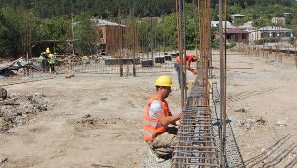 Строительство футбольного стадиона в Хашури  - Sputnik Грузия