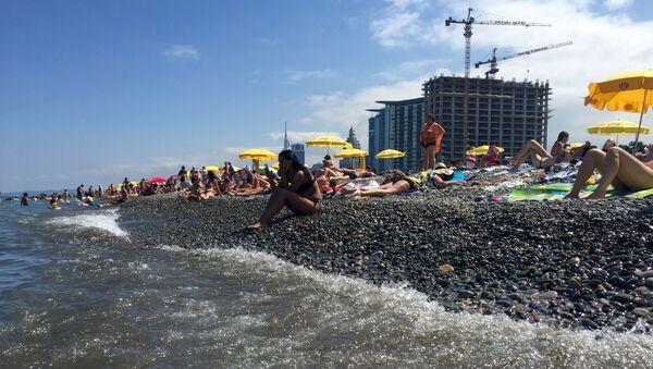 Аджария. Пляж в городе Батуми на берегу Черного моря - Sputnik Грузия