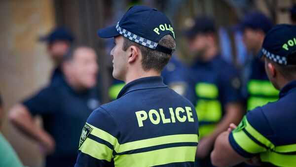 Патрульная полиция. Полицейские за работой. Кордон на акции протеста - Sputnik Грузия