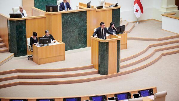 Георгий Гахария в парламенте - Sputnik Грузия