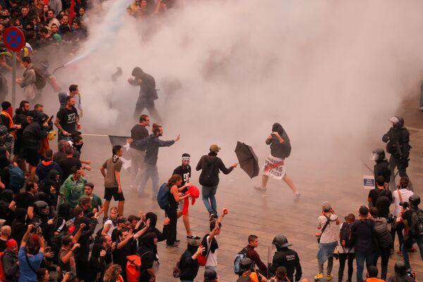 Помимо аэропорта Барселоны, акции протеста проходят в Лериде и Таррагоне - Sputnik Грузия