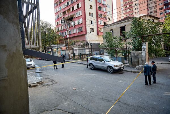 Владелец квартиры, где был взрыв - 39-летний Иосиф Джавахишвили, получил ожоги 60% тела. В его квартире был кустарно установлен газовый обогреватель воды. Представители газовой компании несколько раз предупреждали владельца, что это опасно, но мужчина не обратил на это внимания - Sputnik Грузия