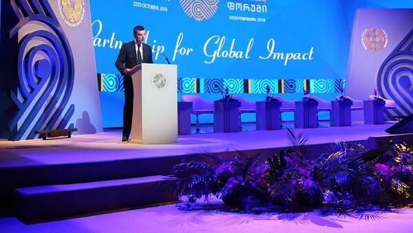 Георгий Гахария выступает на форуме Шелкового пути - Sputnik Грузия