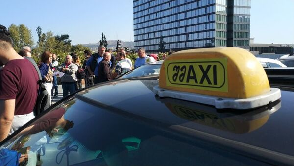 Акция протеста водителей Шмакси в столице Грузии - Sputnik Грузия