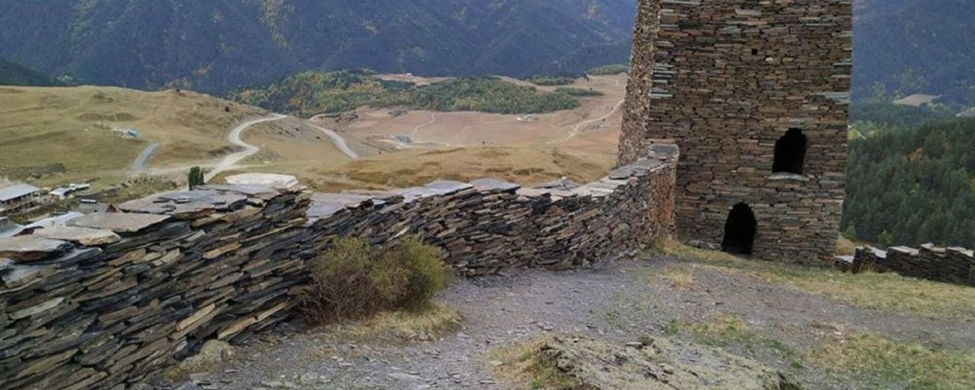 Крепость Кесело в деревне Омало в высокогорном районе Кахети - Тушети - Sputnik Грузия, 1920, 13.07.2021