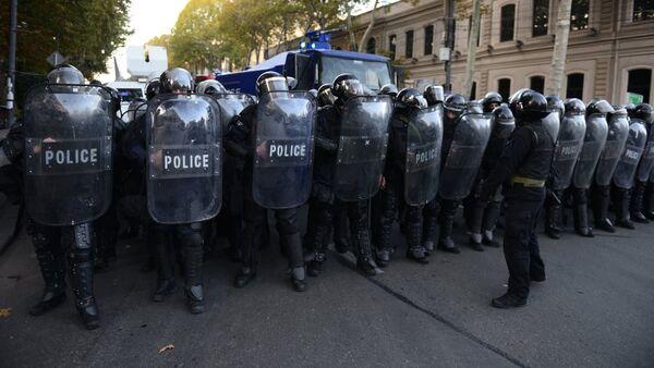 Спецназ на проспекте Руставели. Акция протеста оппозиции 18 ноября - Sputnik Грузия