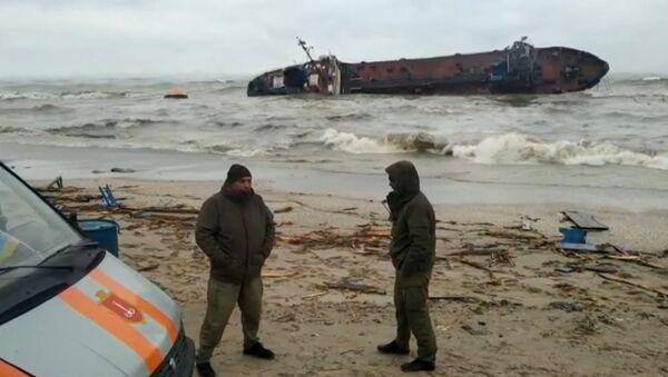 Как танкер сел на мель под Одессой - видео - Sputnik Грузия
