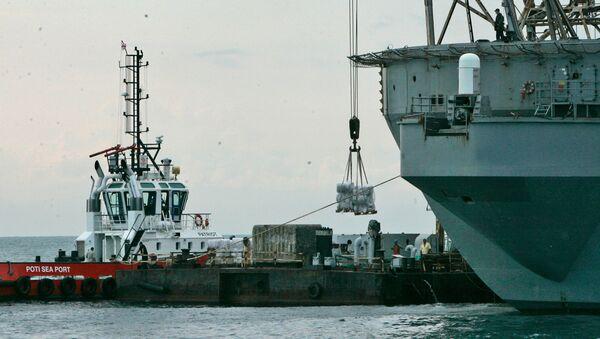 Разгрузка судна в порту Поти - Sputnik Грузия