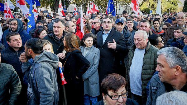 Гига Бокерия на акции протеста - Sputnik Грузия