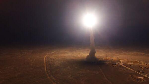 """Как происходит пуск межконтинентальной баллистической ракеты """"Тополь"""" - видео - Sputnik Грузия"""