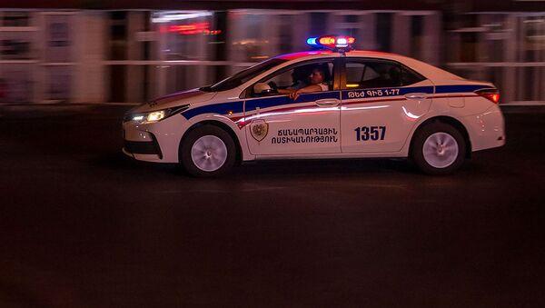 Автомобиль патрульной службы на улице Вардананц - Sputnik Грузия