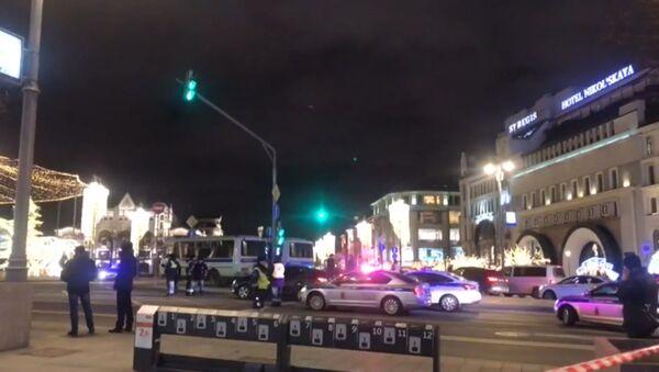 Стрельба в Москве у здания ФСБ на Лубянке - видео с места ЧП - Sputnik Грузия