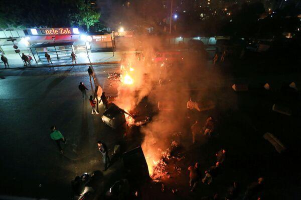 Они поджигают палатки мирных демонстрантов - Sputnik Грузия