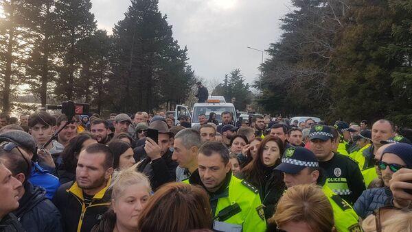 Участники акции в Поти перекрыли центральную магистраль ведущую к Батуми - Sputnik Грузия
