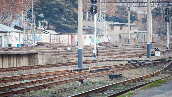 Железнодорожные пути. Рельсы на тбилисском железнодорожном вокзале - Sputnik Грузия