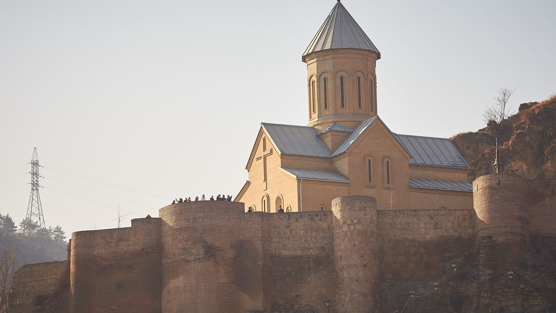 Церковь Святого Николая на территории крепости Нарикала - Sputnik Грузия, 1920, 12.09.2021