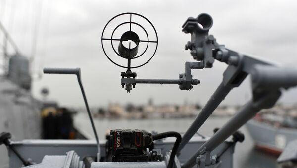 ტყვიამფრქვევის სამიზნე ხომალდზე - Sputnik საქართველო
