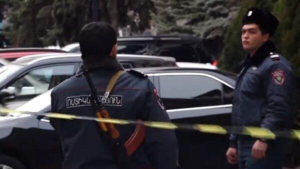 Что происходило в «Эребуни-плаза», где обезвредили стрелка - Sputnik Грузия