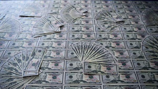Фальшивые доллары - Sputnik Грузия