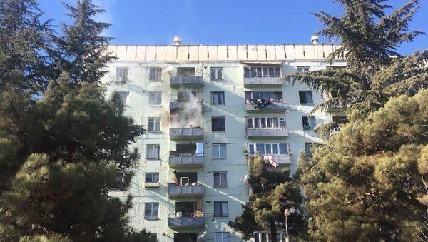 Пожар в жилом корпусе в районе Глдани на окраине Тбилиси - Sputnik Грузия